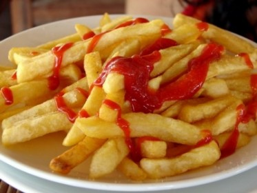 They might look tasty, but you'll regret it later on. Avoid fried foods! Image Source: cdtbk